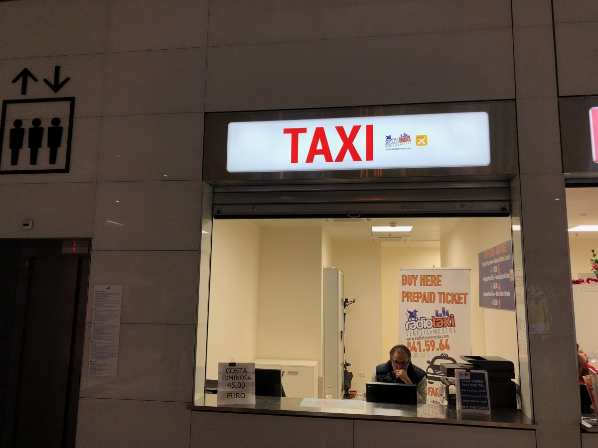 Venice Airport Abano Terme how to get transfer taxi chauffeur