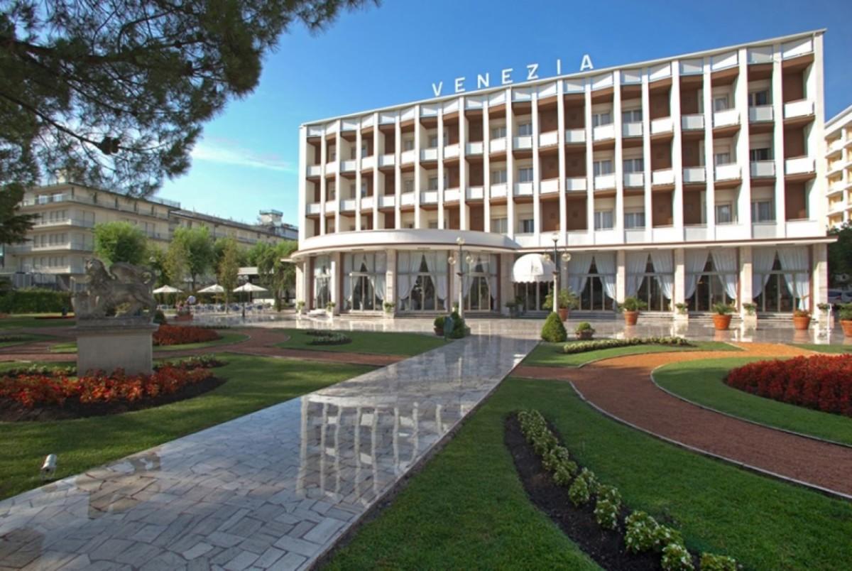 Abano Terme Montegrotto Terme Italy Euganean Hills Hotels Health How to Get Transfer Taxi Abano Terme Hotel Venezia